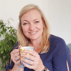 Alice Carroll Hummingbee Works Mental Wealth Coach